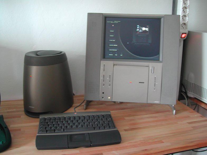 Twentieth_Anniversary_Macintosh.jpg